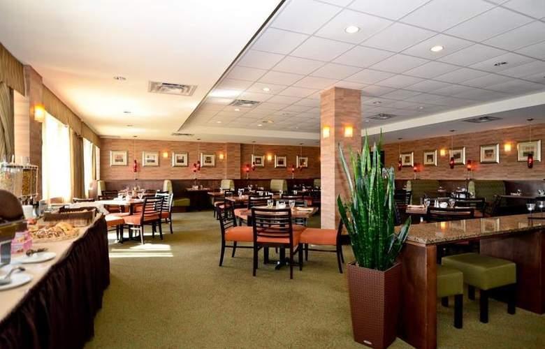 Best Western Chocolate Lake Hotel - Restaurant - 108