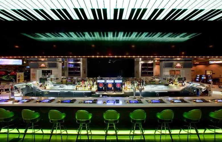 Orleans Hotel & Casino - Bar - 9