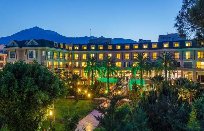 Novia Lucida Beach Hotel - Hotel - 0