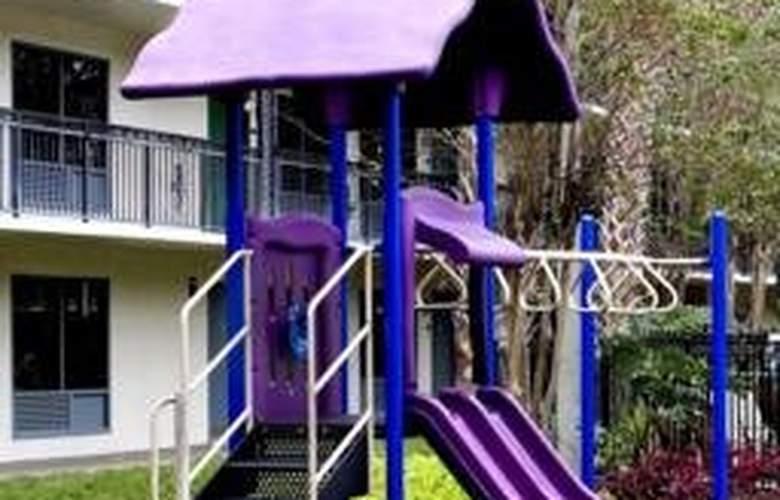 Quality Suites Royale Parc Suites - Sport - 3