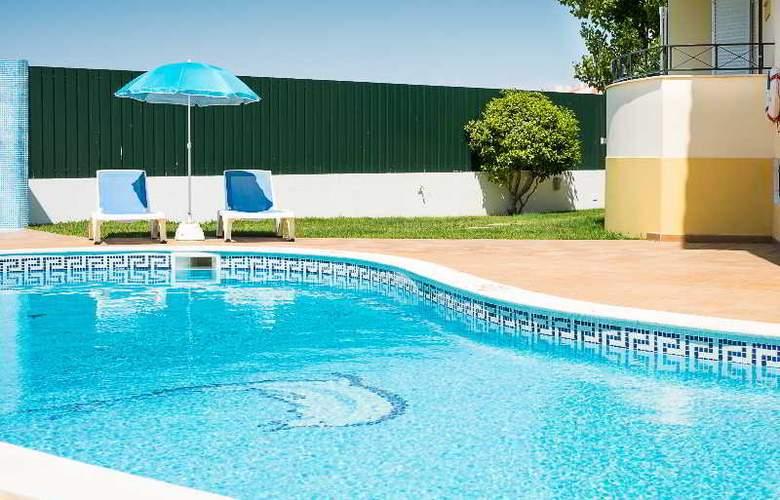 Benvindo Apartamentos - Pool - 1
