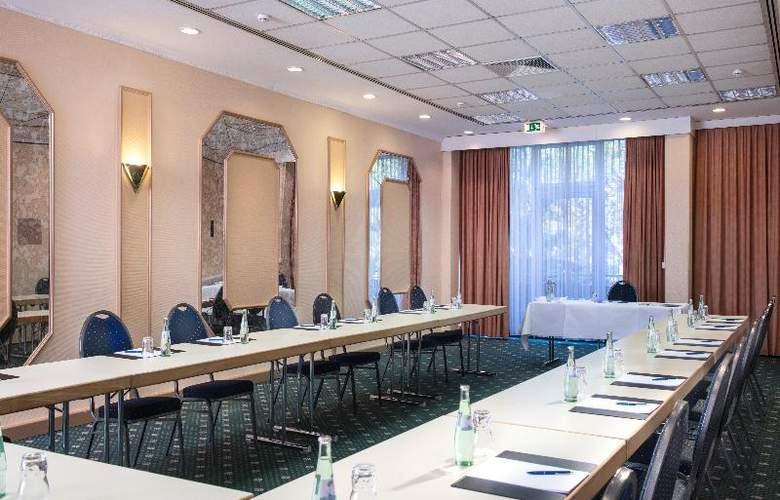 Wyndham Garden Kassel - Conference - 11