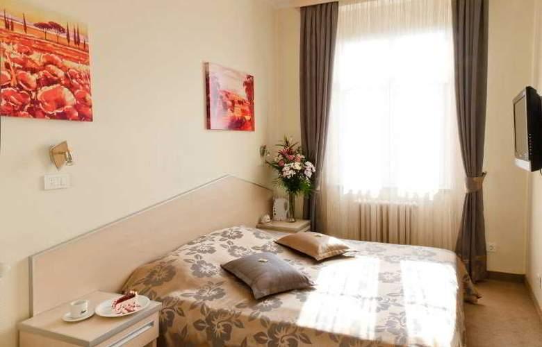 Balkan Orient Express - Room - 8
