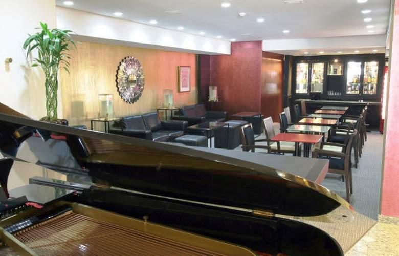 Ramada Plaza Curitiba Rayon - Bar - 3
