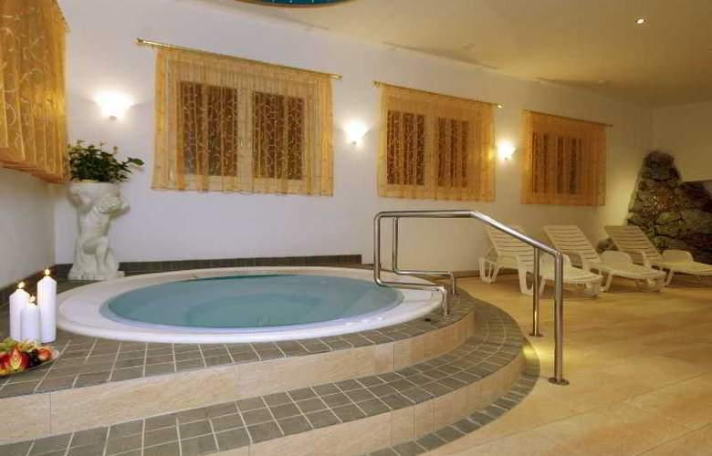 Gisela Hotel - Pool - 6