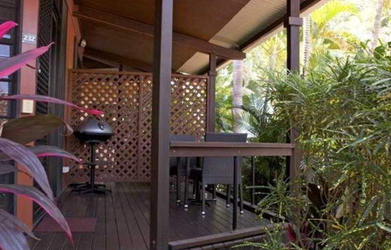 Palms City Resort - Terrace - 4