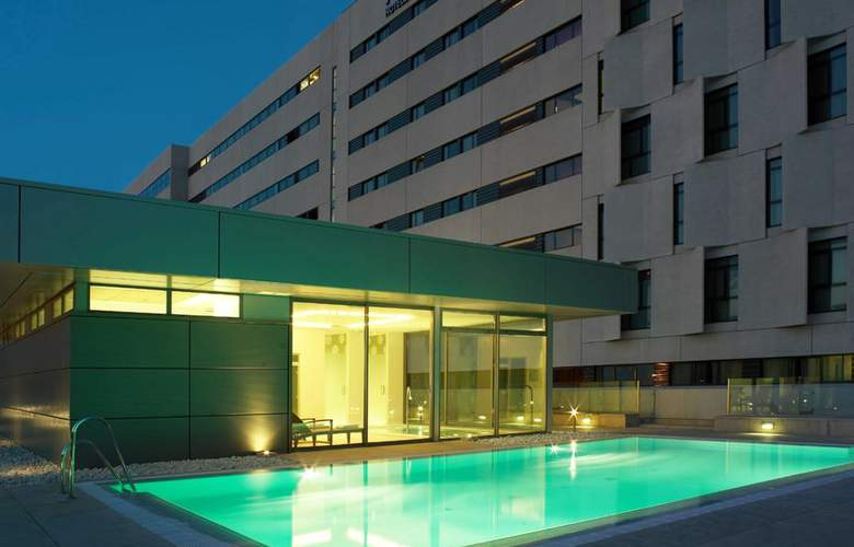 NH Collection Sevilla - Pool - 3