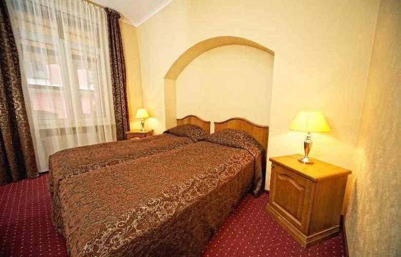 Monte Kristo - Room - 13