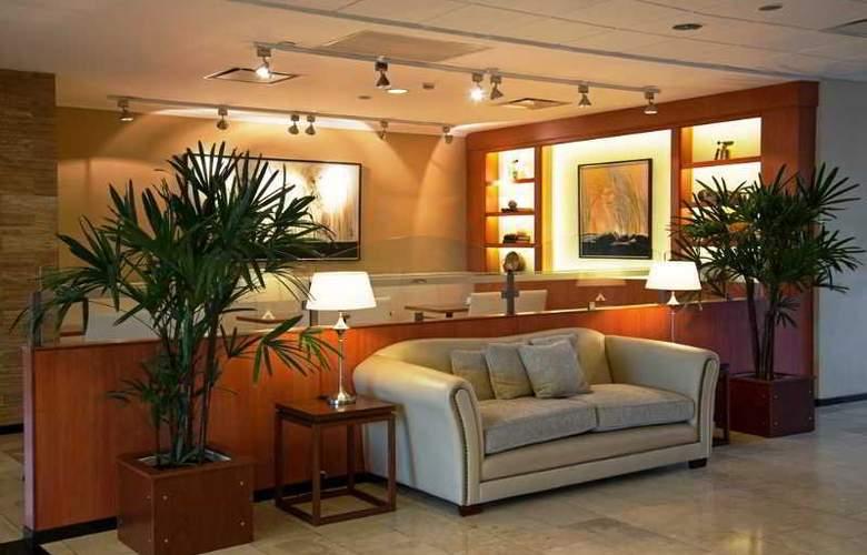 Tower &  Inn Suites - General - 11