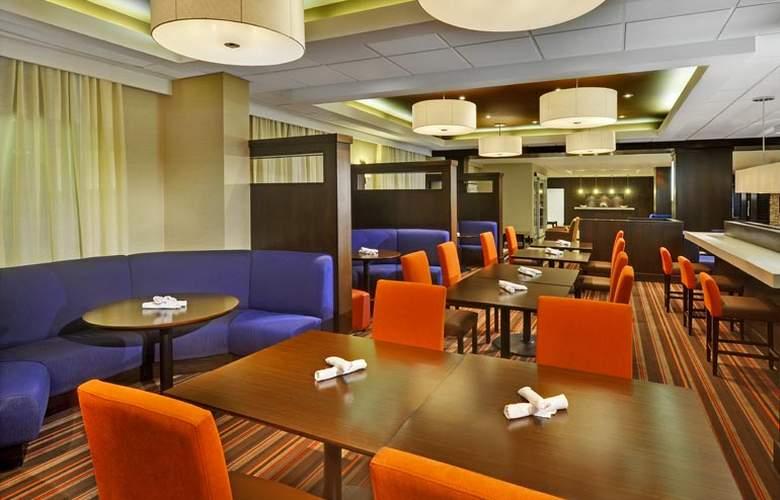 Four Points by Sheraton Toronto Mississauga - Restaurant - 6