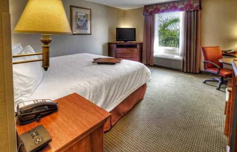 Hampton Inn & Suites Stuart-North - Hotel - 1