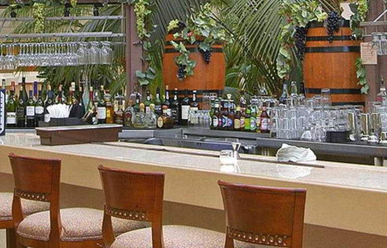 Hyatt Regency San Francisco Airport - Bar - 7