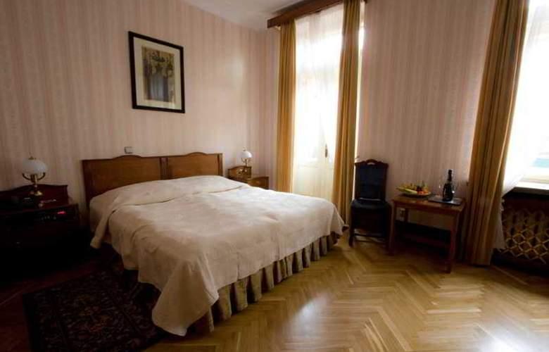 Francuski - Room - 17