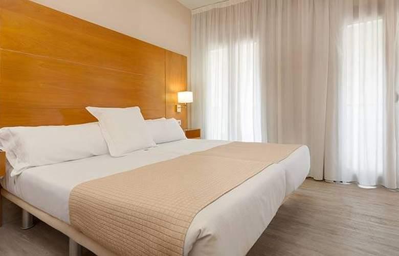 Tryp Ciudad de Alicante - Room - 20