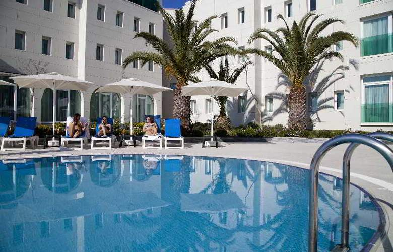 Dragut Point Norht Hotel - Pool - 10