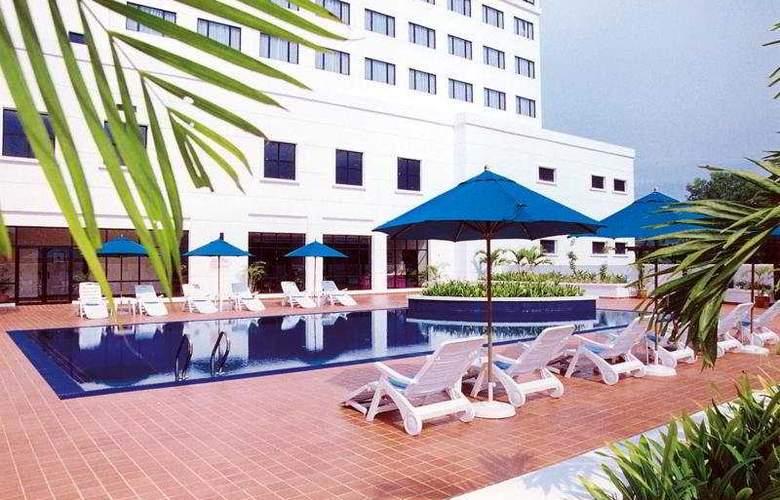 Vistana Hotel Kuala Lumpur - Pool - 6