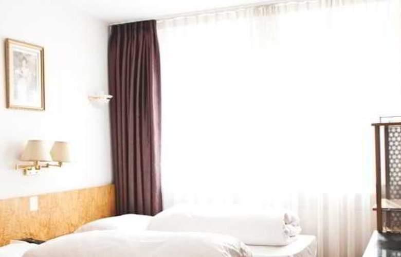 Batavia - Room - 4