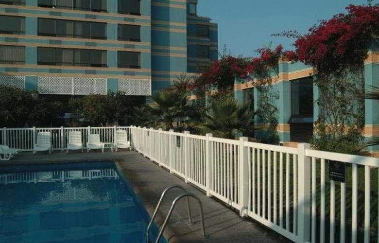 Holiday Inn Express Iquique - Pool - 9
