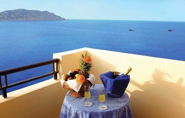 Invisa Hotel Cala Verde - Terrace - 6