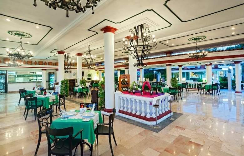 Club Hotel Sera - Restaurant - 25