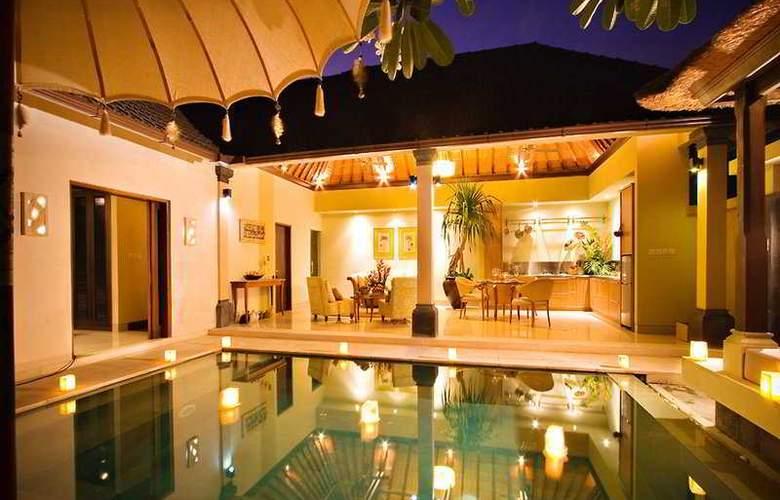 Disini Luxury Spa Villas - Pool - 5
