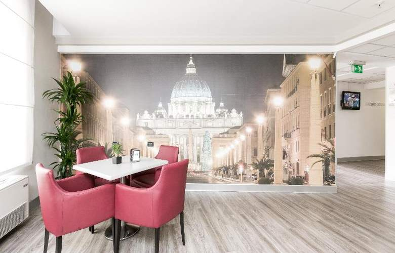 Holiday Inn Express Rome San Giovanni - General - 14