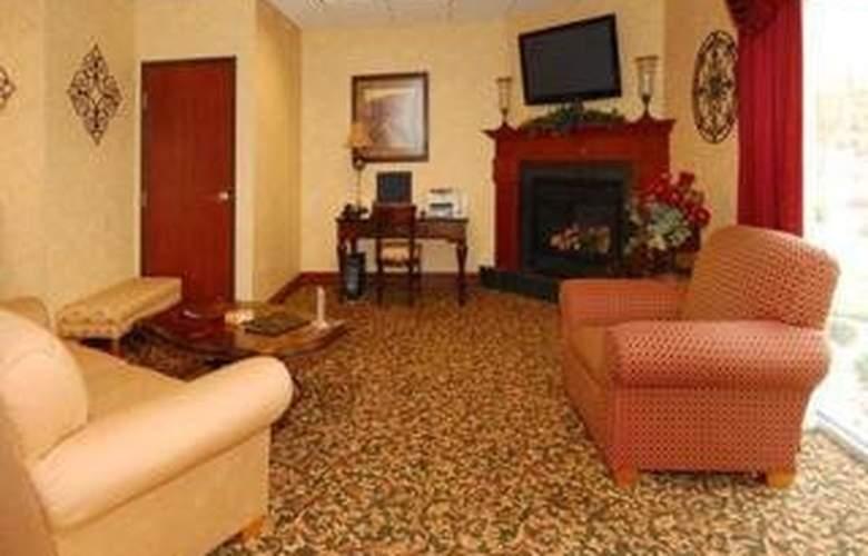 Comfort Suites (Escanaba) - Room - 2