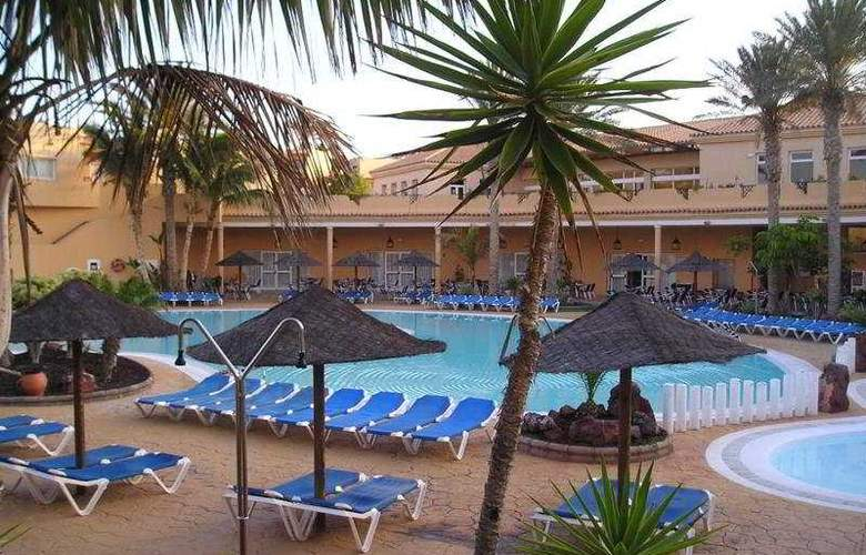 Royal Suite - Pool - 10