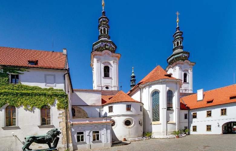 Monastery Garden - Hotel - 7