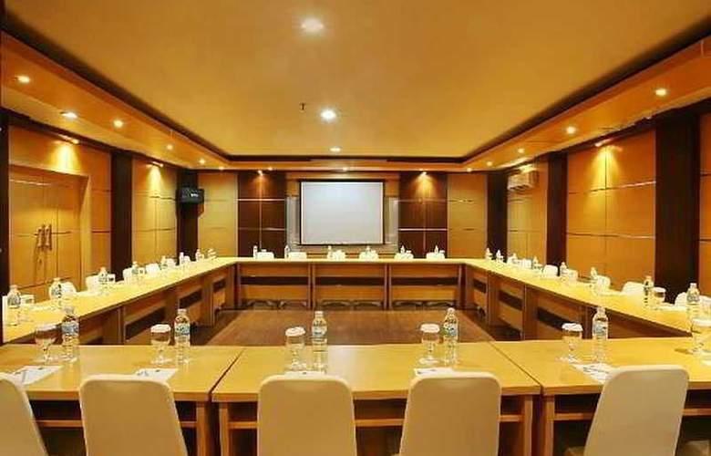 Ibis Tamarin - Conference - 11