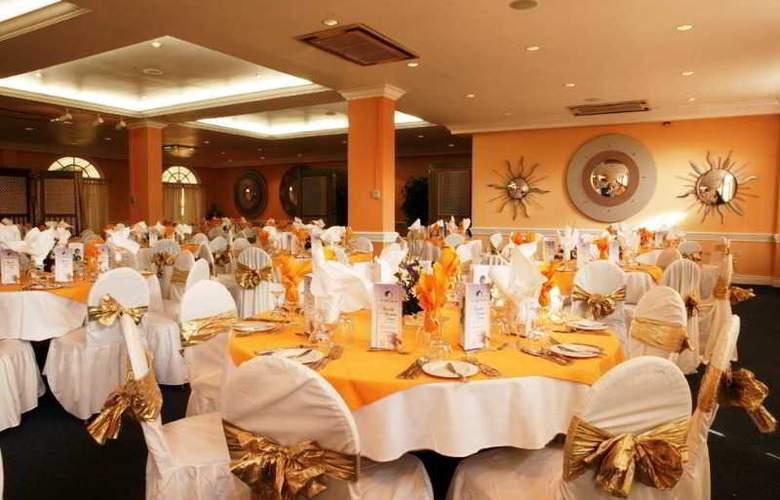 Knutsford Hotel - Restaurant - 6