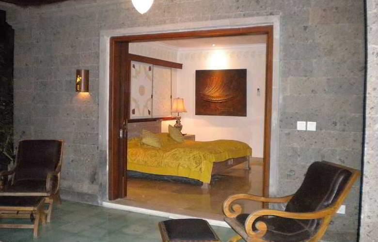 Taman Suci Suite villas - Room - 18
