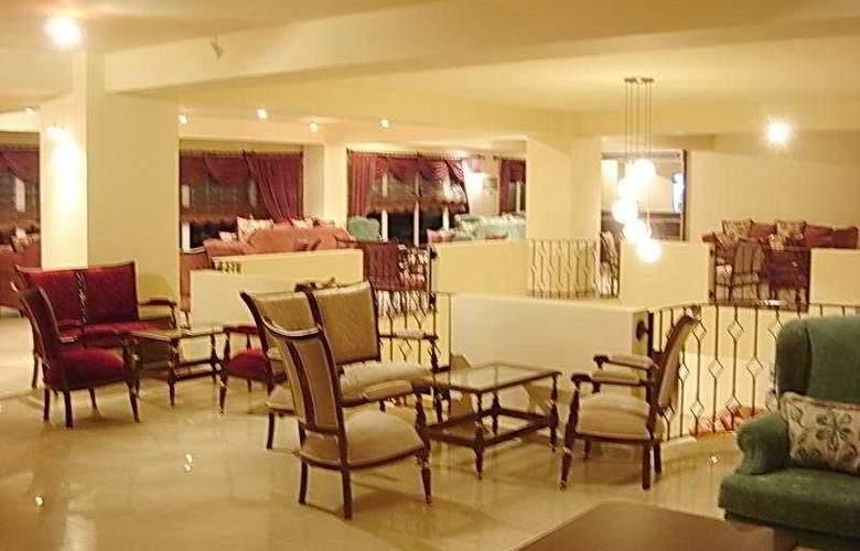 The West Queen Resort - General - 2