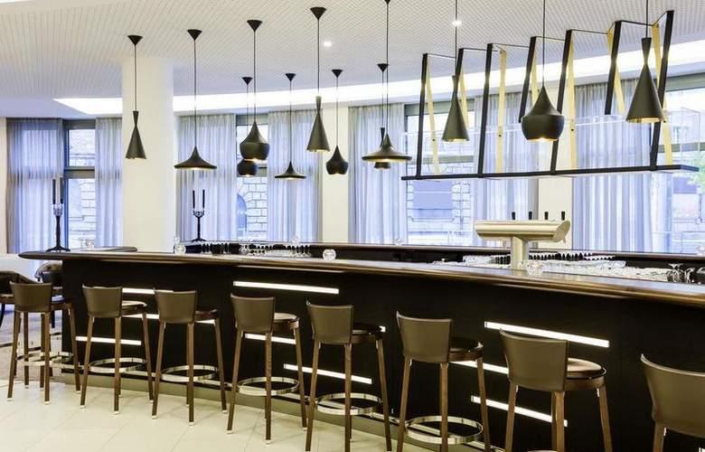 Novotel Nuernberg Centre Ville - Bar - 15