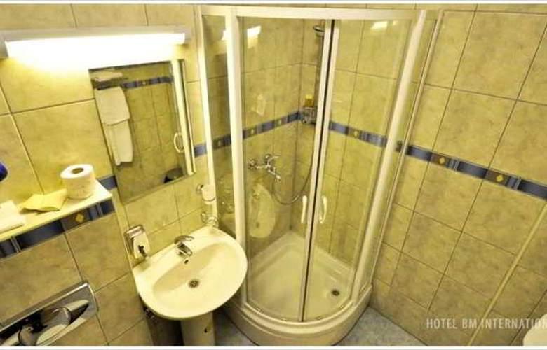 BM Interational Hotel - Room - 4