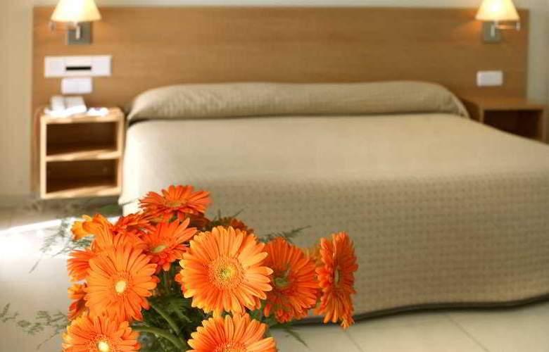 Hotel y Apartamentos (3LL) Lodomar Spa & Talasoterapia - Room - 6