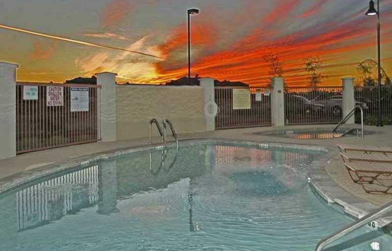 Hampton Inn & Suites Phoenix-Surprise - Hotel - 9