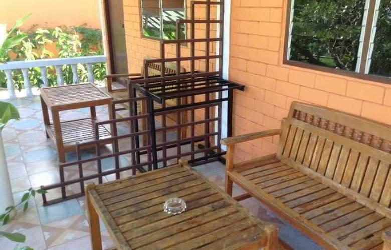 Tip Anda Resort - Terrace - 9