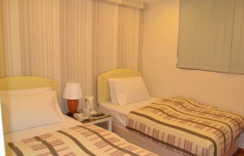 Golden Suites Hotel - Room - 1