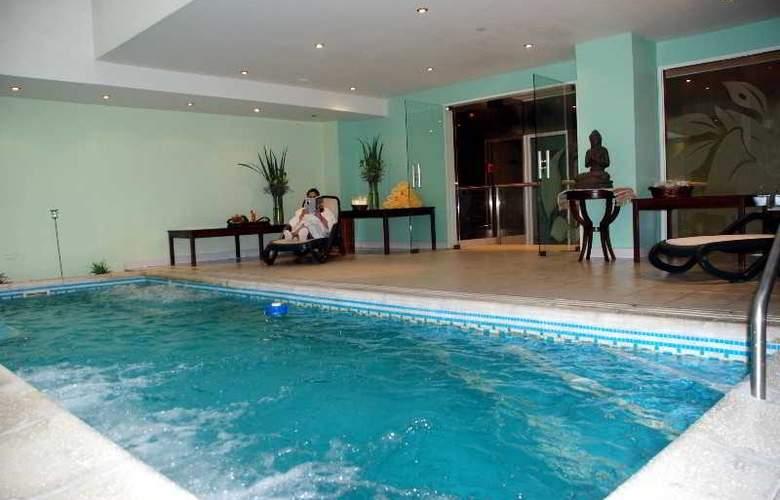 Reconquista Garden - Pool - 15