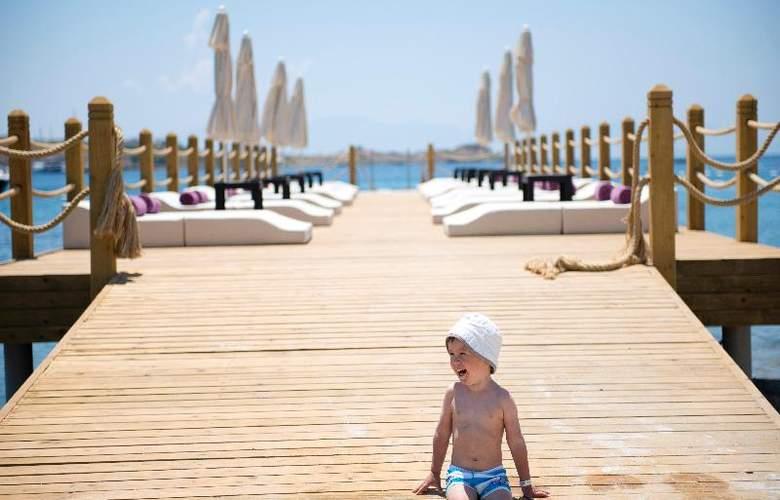 Ramada Resort Bodrum - Beach - 38