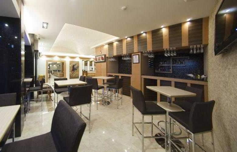 Marlight Boutique Hotel - Bar - 4