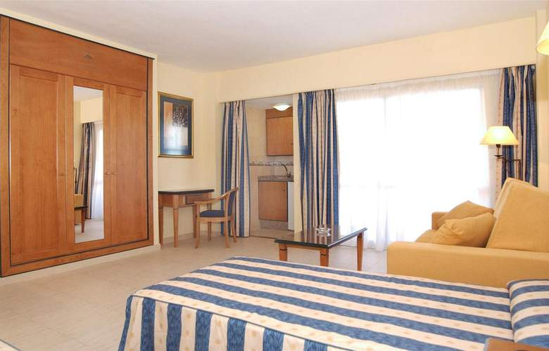 Pyr Fuengirola - Room - 22