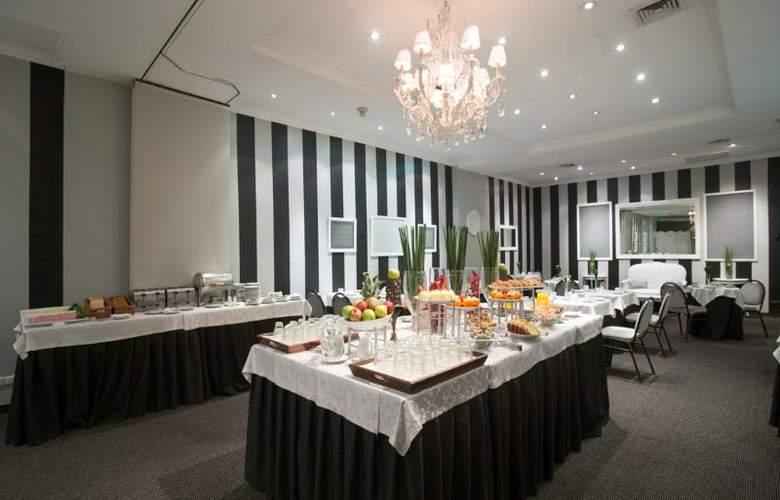Unique Executive chateau - Restaurant - 20