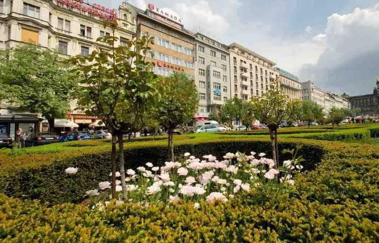 Ramada Prague City Centre - Hotel - 0