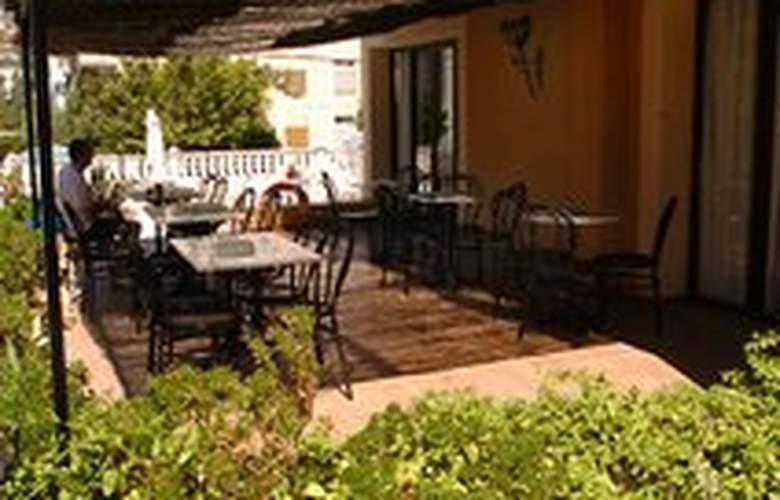 Miranda Hotel - Terrace - 7