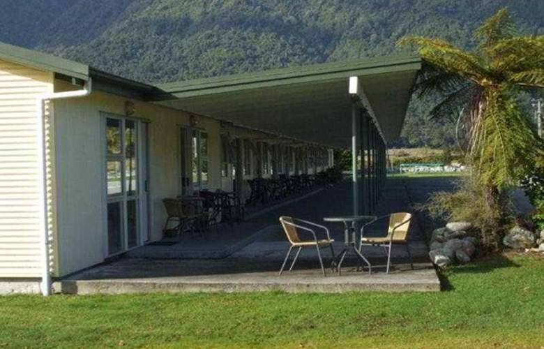 Glacier View Motel - General - 2