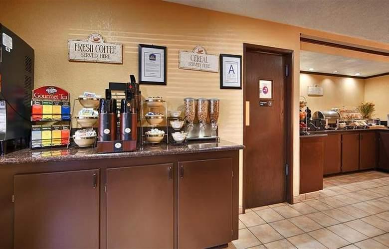 Best Western Desert Villa Inn - Restaurant - 39