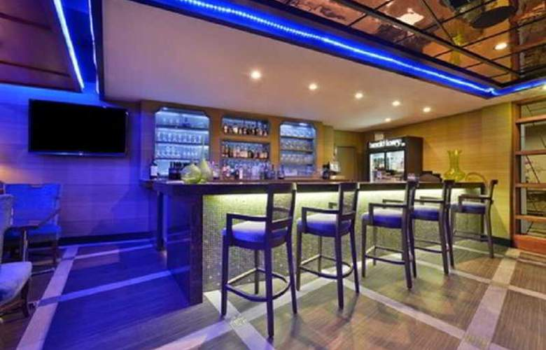 The Hills Hotel, an Ascend Collection hotel - Bar - 0