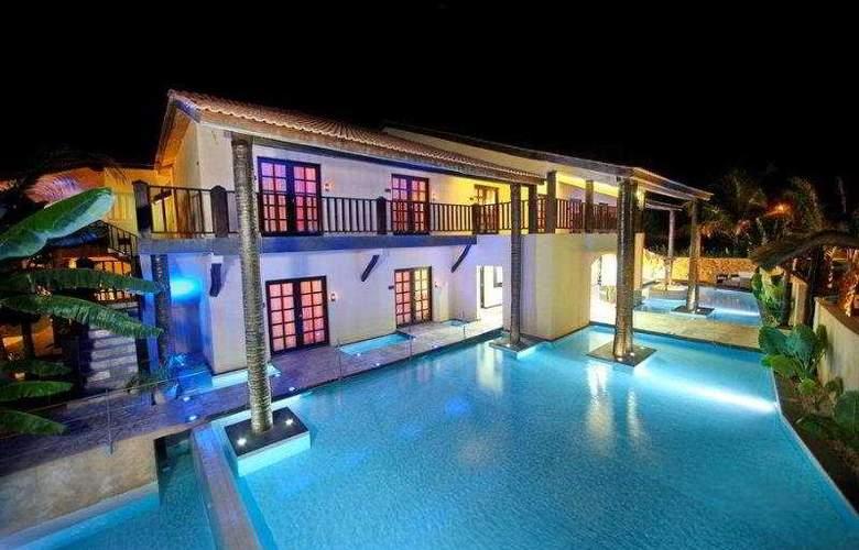 The Rhino Resort Hotel & Spa - Hotel - 0